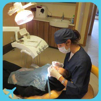 الدكتورة ريما حسين زاده متخصصة في طب و جراحة وتجميل الاسنان في ايران