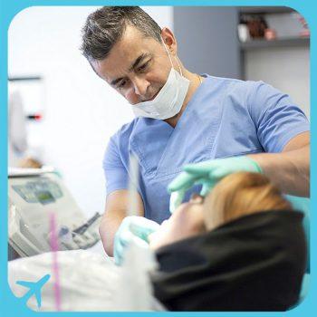 الدكتور شاهروخ يغانه متخصص في طب و جراحة وتجميل الاسنان في طهران ايران