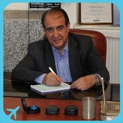 الدكتور حميد خاكشور متخصص في زراعة القرنية وجراحة داخل العين في ايران