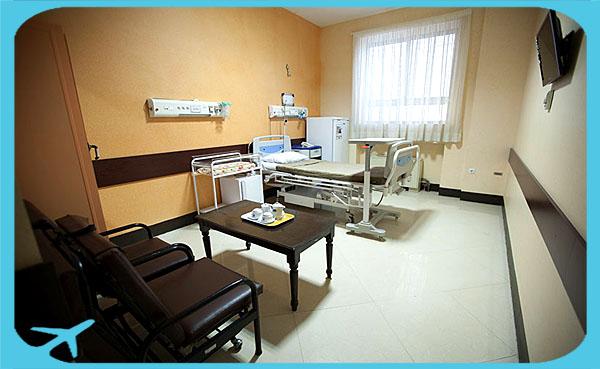 غرف المرضى مجهزة بأفضل وسائل الراحة للمريض والمرافقين في مستشفى مهر في مشهد ايران