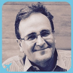 الدكتور رامين سلوتي متخصص في القرنية و الجزء الامامي من العين في ايران