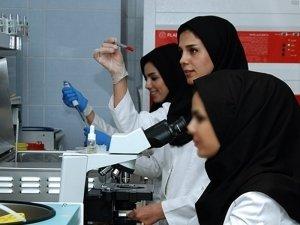 كوادر طبية نسائية مميزة في مشافي طهران