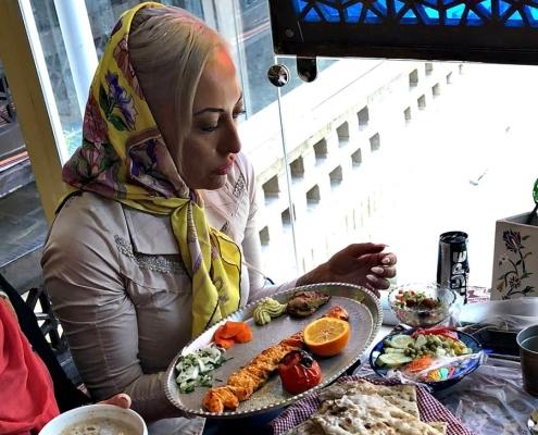 من صور أبيغيل الأسترالية في طهران أثناء علاجها عن طريق آريا مدتور