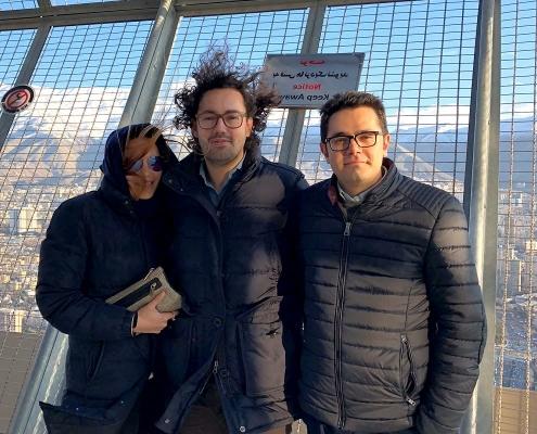 صورة من أعلى برج ميلاد في طهران لسائحين لإيطاليين