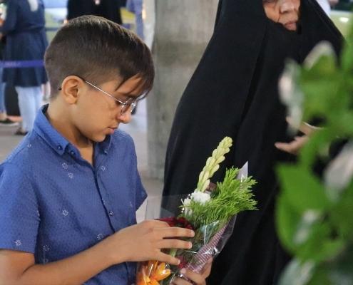 استقبال الطفل محمد صادق ومرافقيه في المطار في رحلتهم لإجراء عملية في العيون