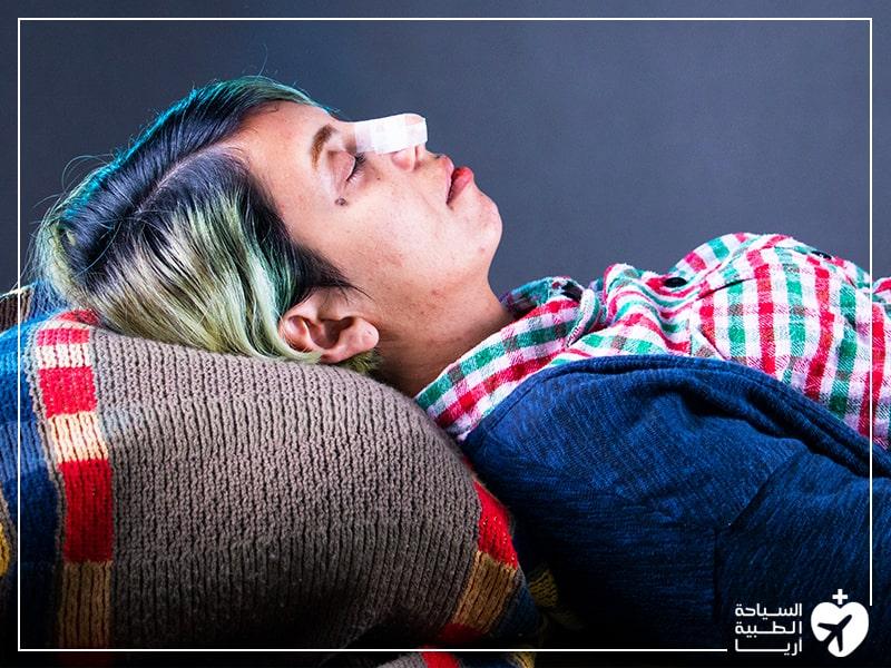 النوم بعد عملية تجميل الانف