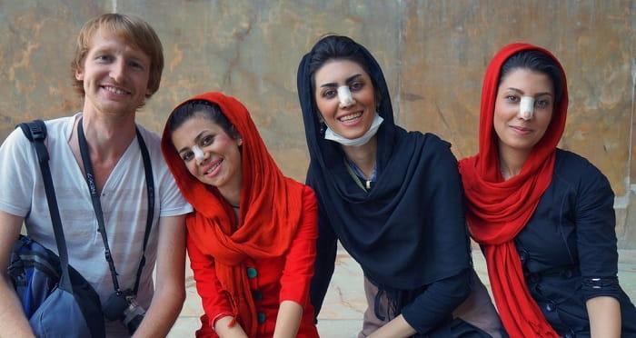 كثرة إجراء جراحات تجميل الأنف في إيران