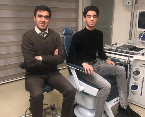صورة مروان مع طبيب تجميل الانف في طهران