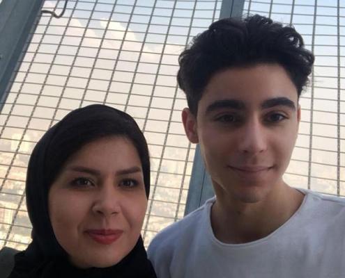 سيلفي مروان من هولندا في برج ميلاد في ايران
