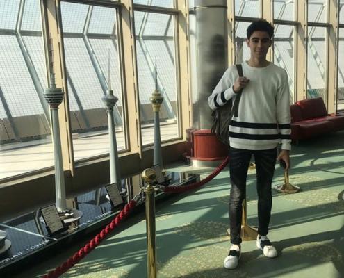مروان من هولندا في برج ميلاد قبل يوم من إجراء عملية تجميل الانف الترميمية في ايران