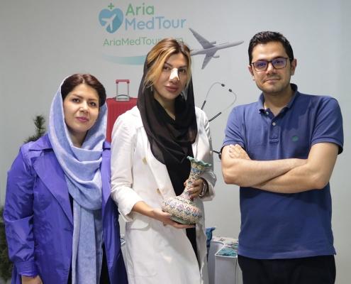 شيلا من رومانيا في مقر شركة آريا مدتور بعد إجراء عملية ترميم الانف في ايران