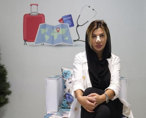 شيلا من رومانيا تتحدث عن عملية ترميم الانف في ايران
