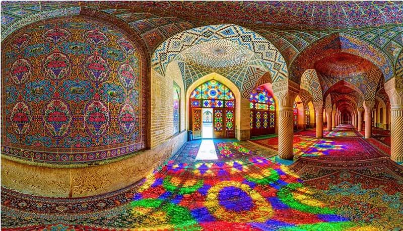المسجد الوردي في شيراز من أبرز المعالم السياحية