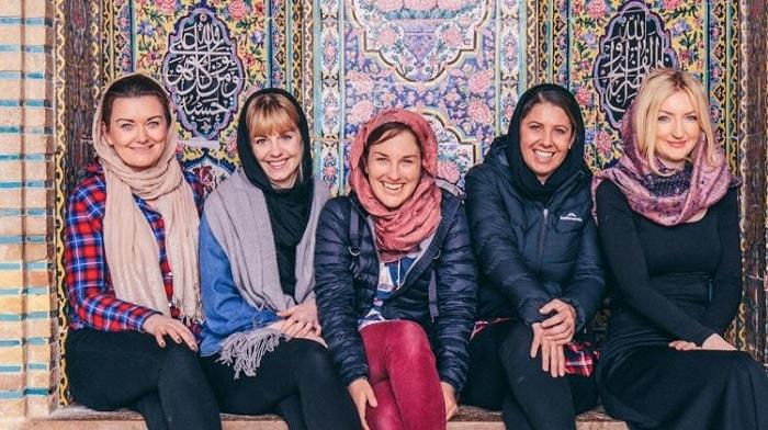حجاب السائحات الاجنبيات في ايران