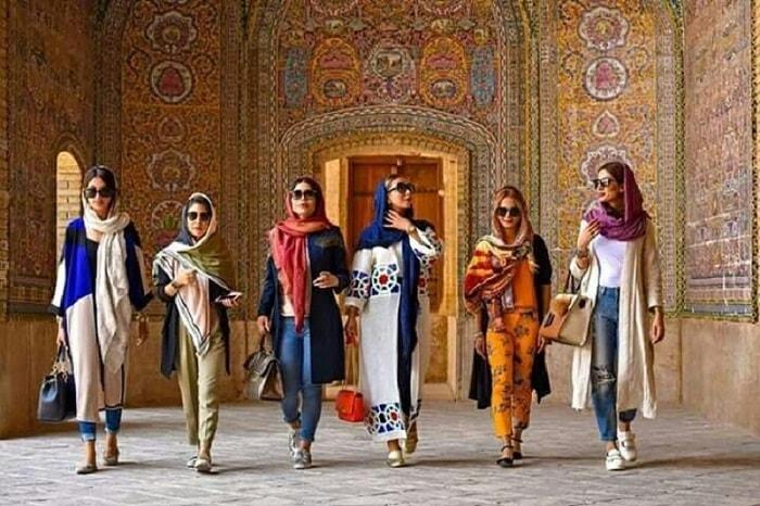 ملابس النساء غير المحافظات في ايران