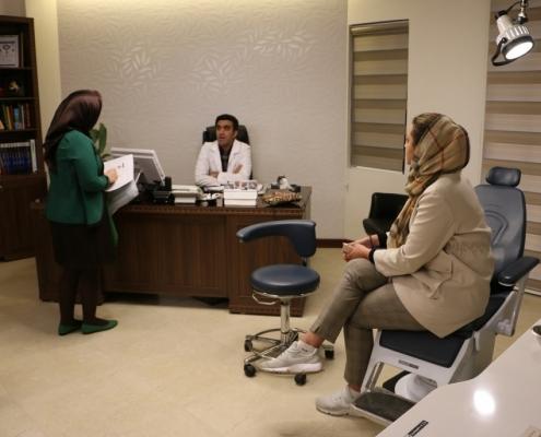 مريضة اسبانية في عيادة دكتور تجميل ايراني