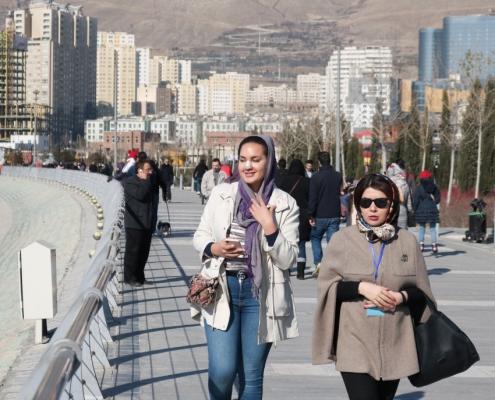 جولة سياحية لمريضة تجميل الانف الاسبانية في ايران