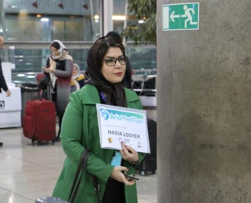 استقبال المريضة في المطار