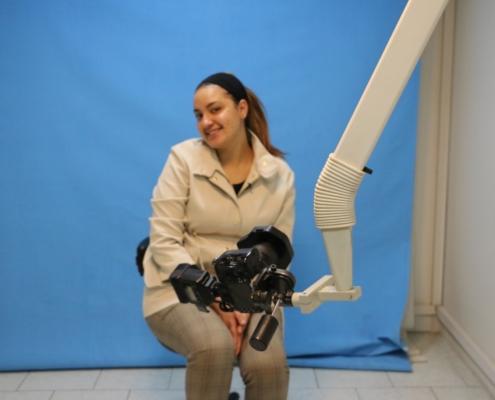 ناديا من اسبانيا في ايران لإجراء عملية تجميل الانف والغمازات