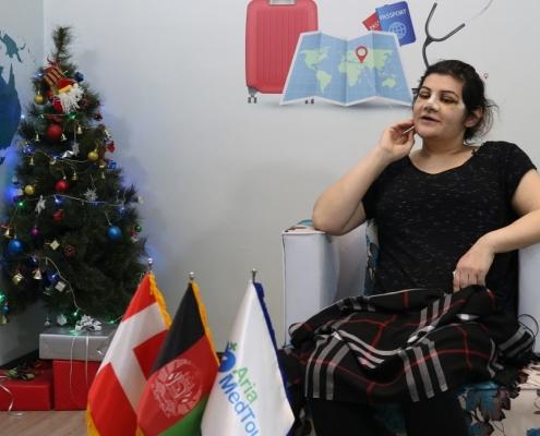 سميرا افغانية دانماركية في رحلة سياحة طبية في ايران