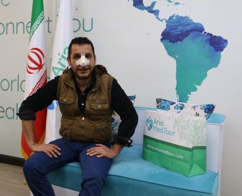 مريض من العراق أجرى عملية الانف في ايران