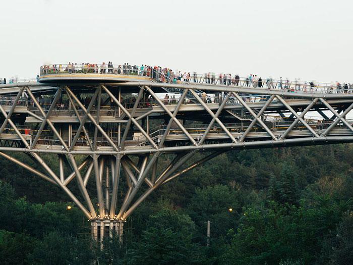 جسر الطبيعة في طهران