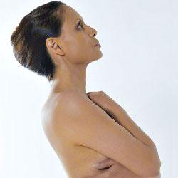 اسباب ترهل الثدي وطرق الوقاية منه