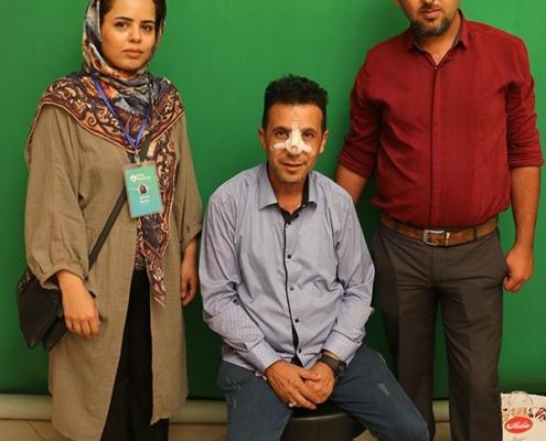 مهدي من العراق في صورة تذكارية بعد عملية الانف في ايران