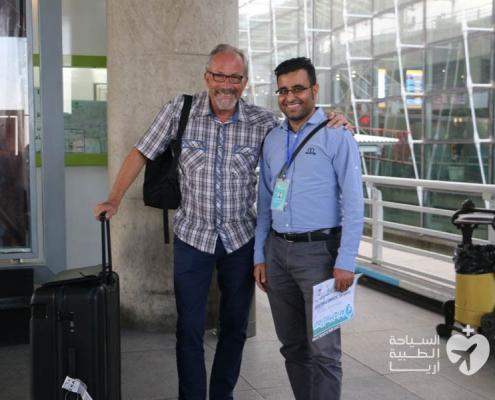 مريض من سويسرا مع المترجم في ايران