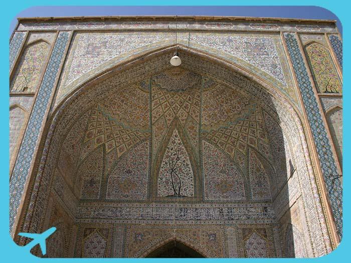جامع وكيل من أبرز المعالم السياحية الإسلامية في شيراز
