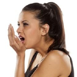 كيف يمكن التخلص من رائحة الفم الكريهة