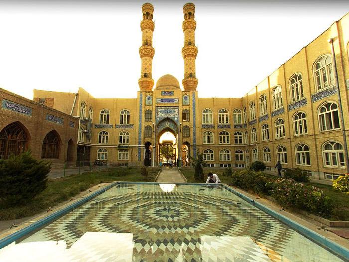 المسجد الجامع أحد أبرز المواقع السياحية في تبريز