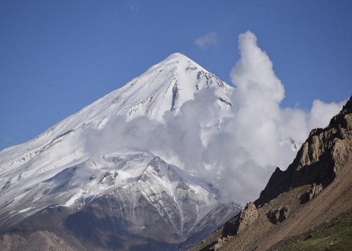جبل دماوند شمال طهران في ايران