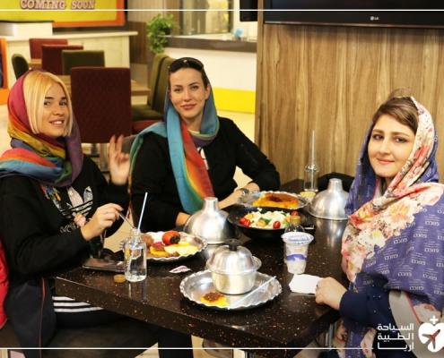 شابتان روسيتان في ايران لإجراء عملية تجميل الانف
