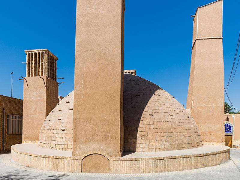 خزان الماء المزدوج في كيش في ايران