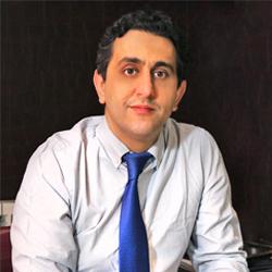 الدكتور فرشيد محبوبي راد من أشهر جراحي تجميل الانف الايرانيين