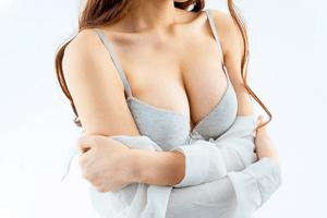 معلومات عن تكبير الثدي في ايران