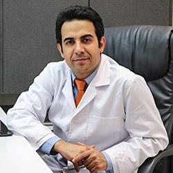 د. أمير حسين سربازي مختص في زراعة الاسنان في ايران