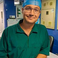 الدكتور يحيوي من اشهر أخصائيي تجميل الانف في ايران