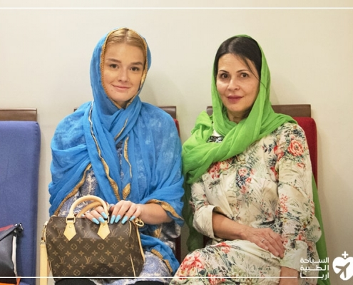 أم وابنتها من أمريكا تخوضان تجربة تجميل الانف في ايران