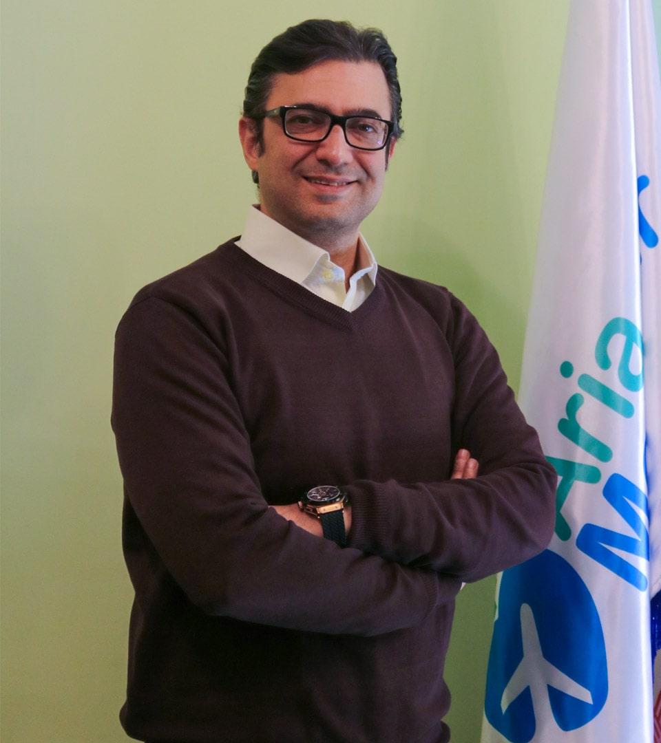 د. فرزان رضايي جراح تجميل الانف في ايران