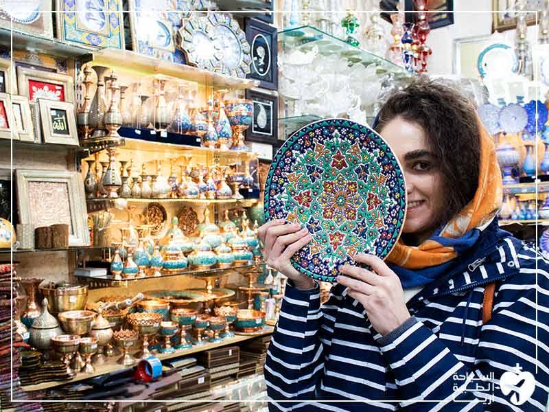 مصنوعات المينا من أهم التذكارات في ايران