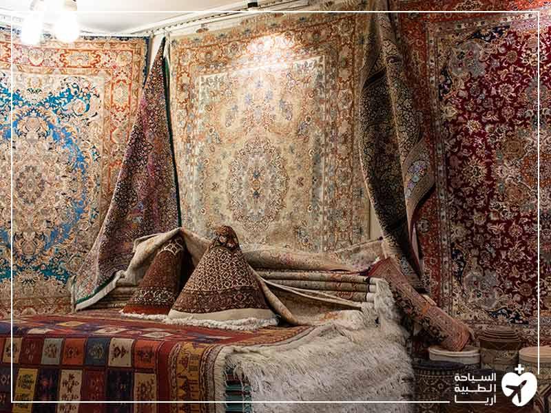 السجاد العجمي والبسط من أهم التذكارات الايرانية