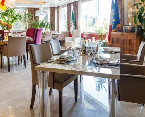 صالة مطعم فندق نيلو في طهران