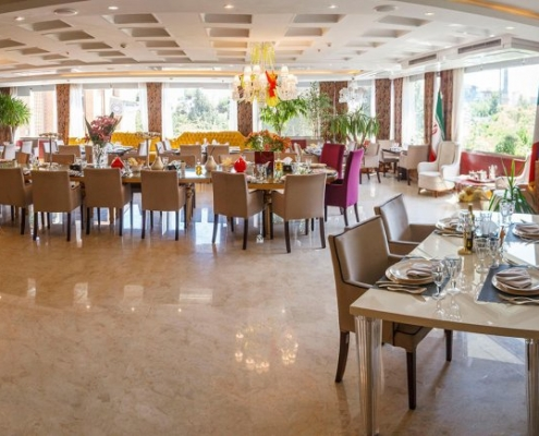 صالون مطعم فندق نيلو في طهران