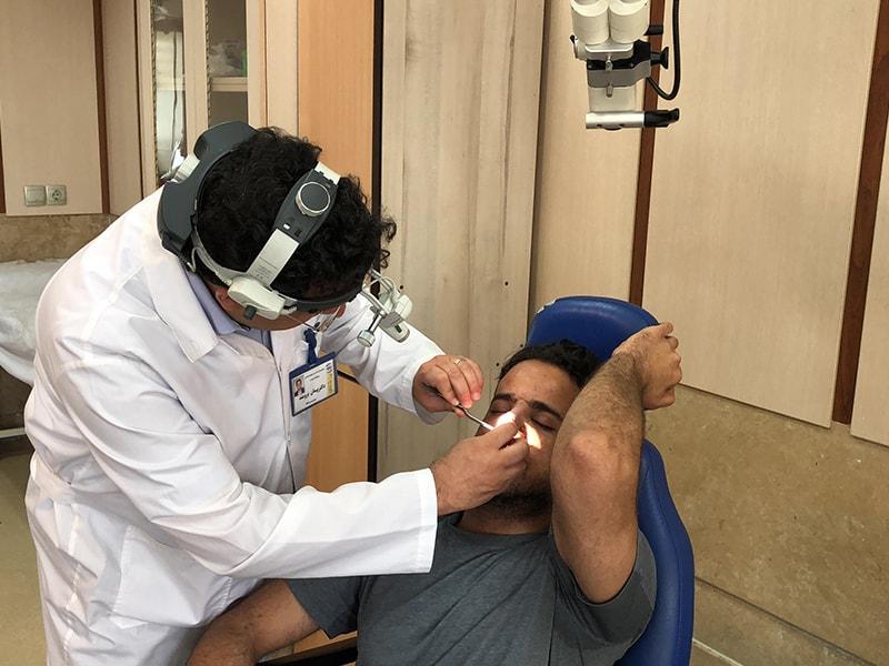 عمل جراحی بینی گردشگر عمانی