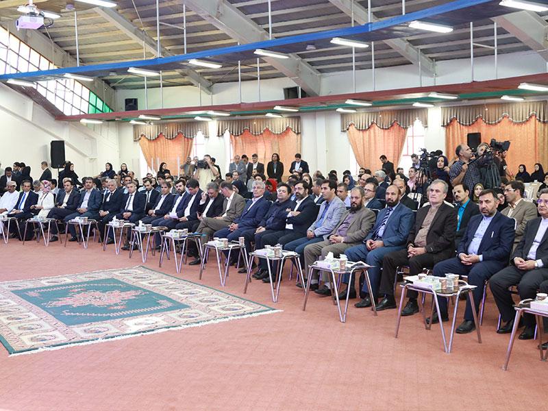 حضاران در هنگام سخنرانی آقای شجاری به عنوان نماینده کلیدی نمایشگاه اکو