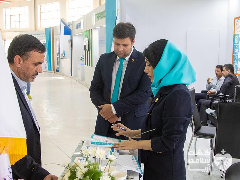 حضور بازدید کنندگان نمایشگاه بینالمللی اکو در غرفههای استارتاپ پیشروی مدیکال توریسم ایران
