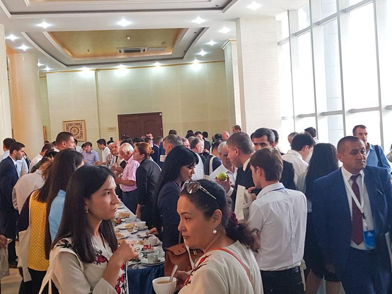 سالن غذاخوری کنفرانس گردشگری تاجیکستان