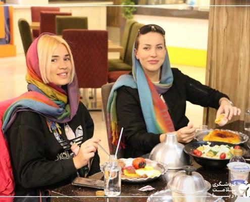 گردشگران درمانی روس در رستوران ایرانی